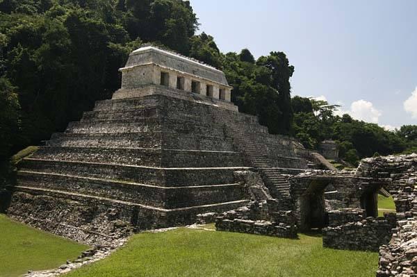 Pirámide en Palenque - México