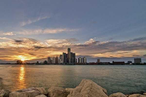 Turismo en Detroit a orillas del Michigan