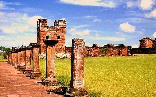 Ruinas jesuíticas en Encarnacion
