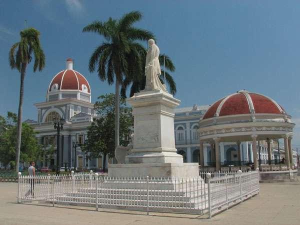Parque Jose Marti en Cienfuegos